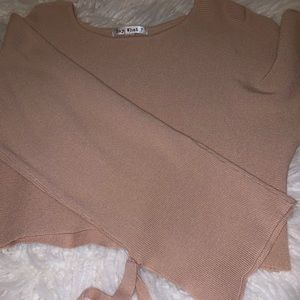 Long sleeve peach shirt with open sleeves